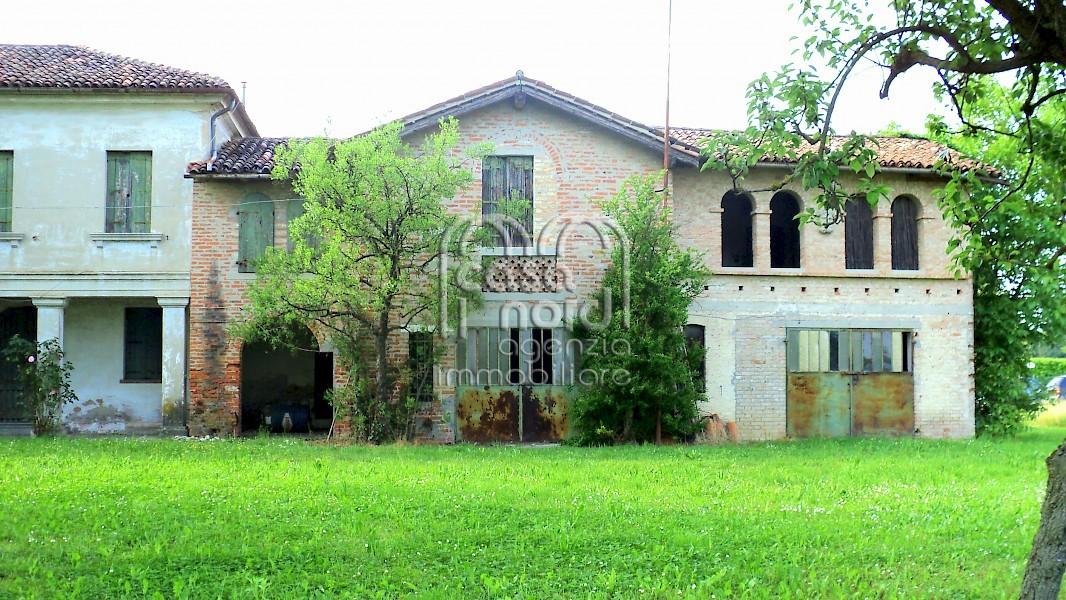 Rustico in vendita a roncade for Planimetrie per case di 1800 piedi quadrati